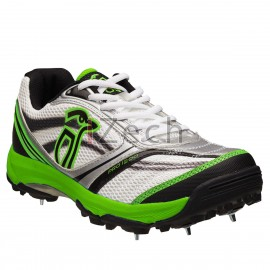 Pro 1200 Cricket Shoes With Spikes